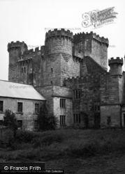Castle 1954, Belsay