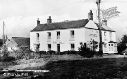 Belton, Steer Arms Inn c.1960