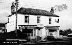 Belton, Wheat Sheaf Inn c.1960