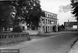 Benson, The White Hart Hotel c.1955