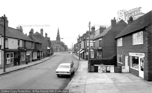 Photo of Bentley, High Street c1970