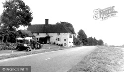 Bentley, The Bull Inn c.1955