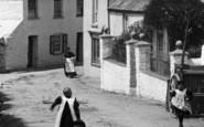 Bere Alston, Children In The Village 1898