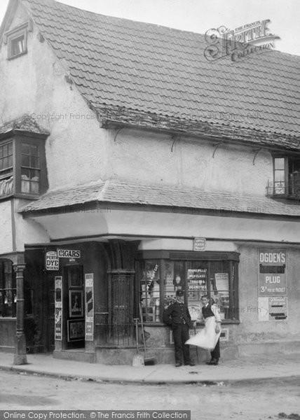 Berkeley, A Shop 1904