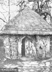 Berkeley, Dr Jenner's Hut c.1910