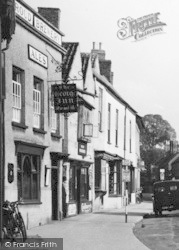 Berkeley, The George Inn c.1950