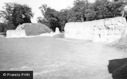 Berkhamsted, Castle 1949
