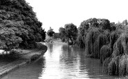 Berkhamsted, Grand Union Canal c.1960