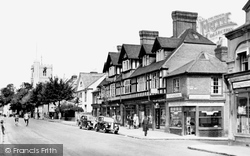 Berkhamsted, High Street And St Peter's Church c.1950