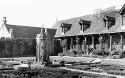 Berkhamsted, Monk's Garden, Ashridge College c.1960