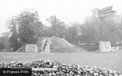 Berkhamsted, The Castle Ruins c.1955