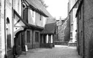 Berkhamsted, The Court House And Parish Church c.1960