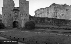 Berry Pomeroy, Castle, Gatehouse And Ruined 17c House 1956