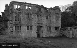 Berry Pomeroy, Castle, The Ruined 17c House 1956
