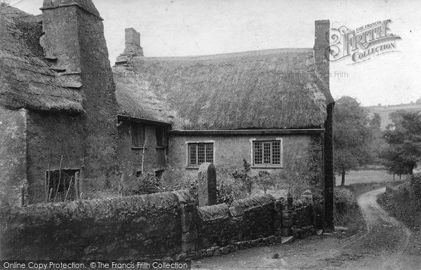 Photo of Berry Pomeroy, Parliament Cottage 1905