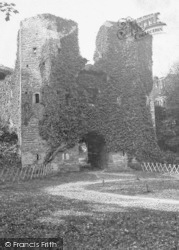 Berry Pomeroy, The Castle c.1930