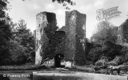 The Castle Gatehouse c.1920, Berry Pomeroy