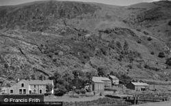 Betws Garmon, The Village 1952