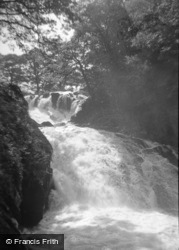 The Swallow Falls 1959, Betws-Y-Coed
