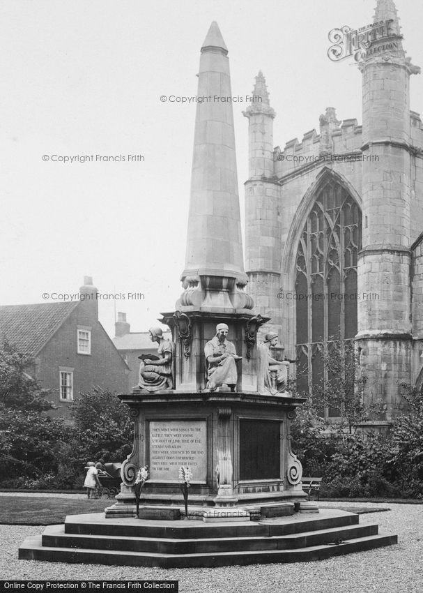 Beverley, the War Memorial 1927