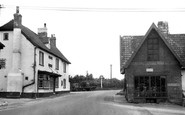 Beyton, the White Horse Inn c1955