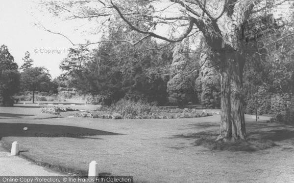 Photo of Bicester, Garth Park c.1965