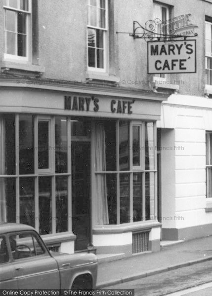 Photo of Bicester, Mary's Cafe c.1965
