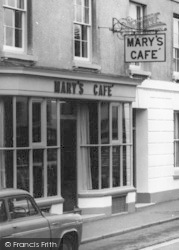 Bicester, Mary's Cafe c.1965