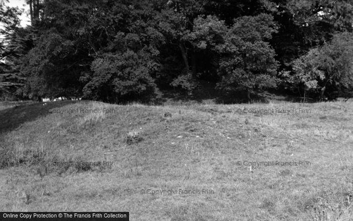 Photo of Bicester, Middleton Stoney Castle Earthworks 1952