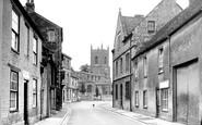 Bicester, The Causeway And St Edburg's Church 1950