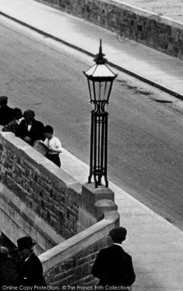 Bideford, The Lamp On The Bridge c.1925