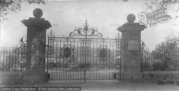 Bideford, Victoria Park Gates 1907