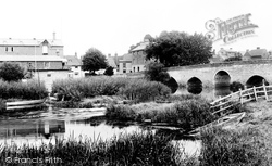 Bidford-on-Avon, Bridge And Boathouse 1899