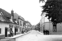 Bidford-on-Avon, High Street 1910