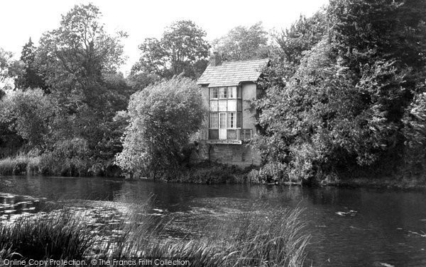 Bidford On Avon, The River And The Nest c.1955