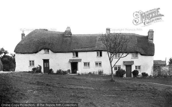 Bigbury Village, Old Houses c.1940