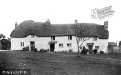 Bigbury Village, Old Houses c.1940