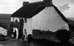 Bigbury Village, Thatched Cottage 1925, Bigbury