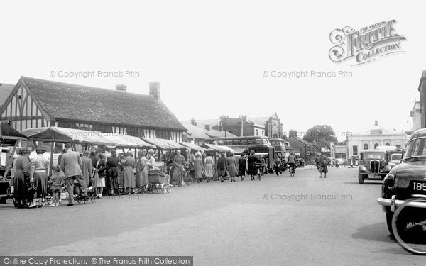 Photo of Biggleswade, Market Square c.1955