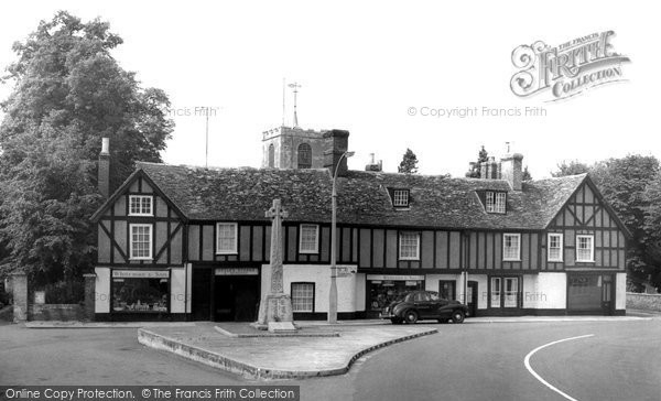Biggleswade, the Memorial c1955