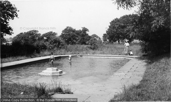 Billericay, Lake Meadows Recreation Ground c.1960