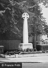 Billericay, War Memorial c1965