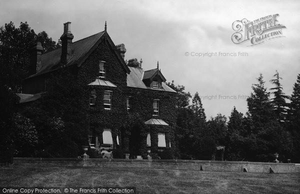 Billingshurst, Clevelands 1915