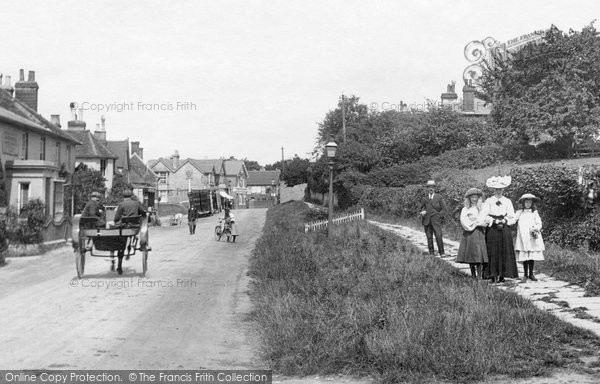 Billingshurst, People In South Street 1907
