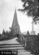 Billingshurst, St Mary's Church and War Memorial 1923