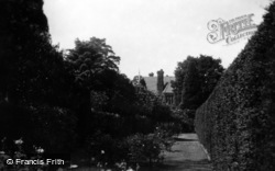 Summers Place 1915, Billingshurst