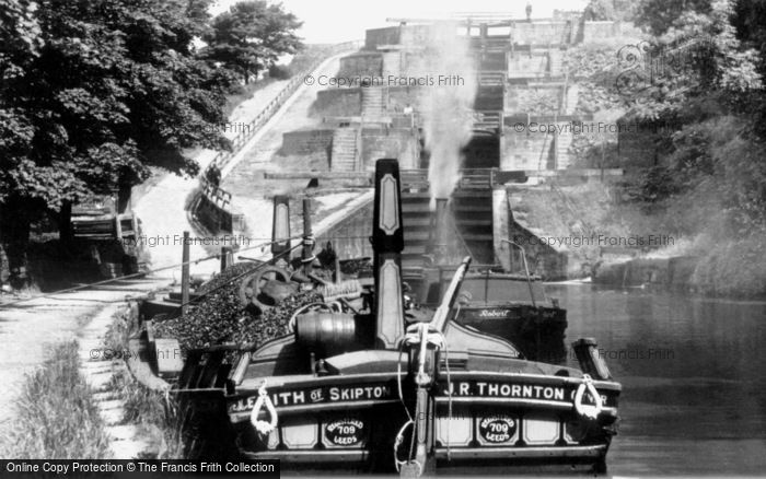 Bingley, Five Rise Locks, Leeds And Liverpool Canal c.1900