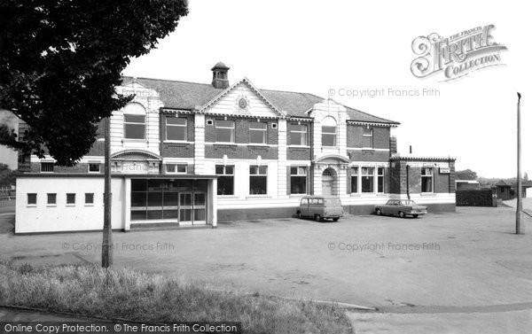 Photo of Bircotes, the Miners Welfare Institute c1965