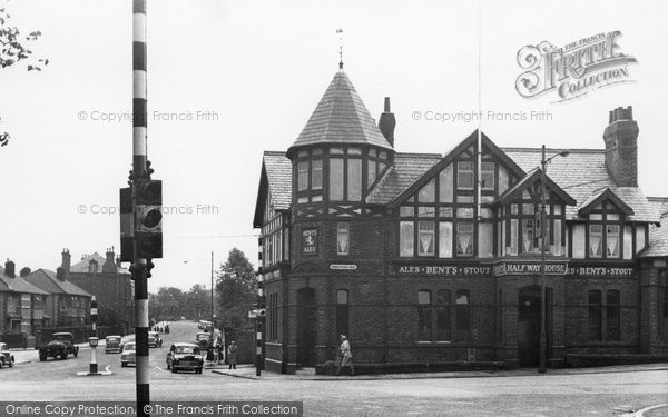 Photo of Birkenhead, Storeton Road and Halfway House Hotel 1954