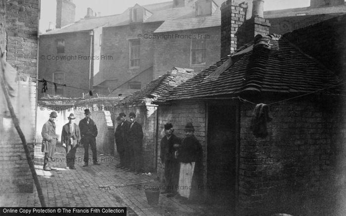 Photo of Birmingham, Court No 1, Thomas Street c.1870